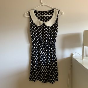 Dresses & Skirts - Peter Pan collared polka dot dress ☺️